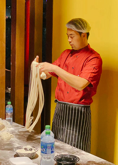 Lings On Kings Chinese Kitchen - Making Noodles